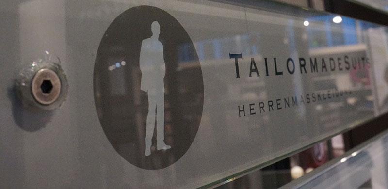 TailormadeSuits Schild Köln außen
