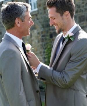 Anzüge für Bräutigam und Trauzeuge