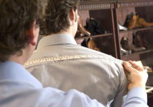 Maßnehmen für den Anzug von TailormadeSuits