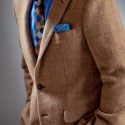 Model in Tweed-Jacket